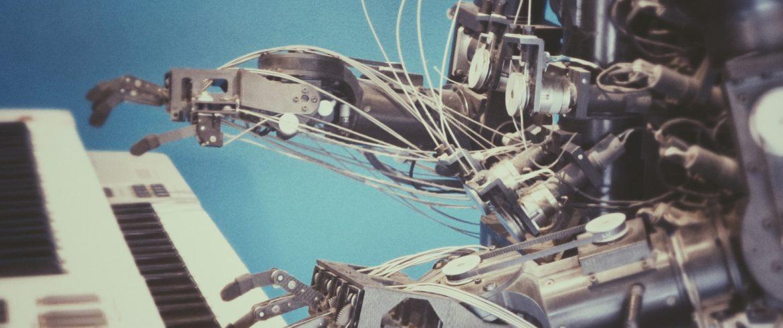 Доменно-адаптивные движки: машинный перевод под нужды вашей компании